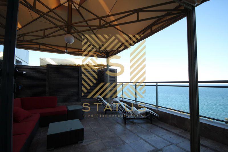 Апартаменты в Клубном Доме с шикарным панорамным видом на море и большим балконом