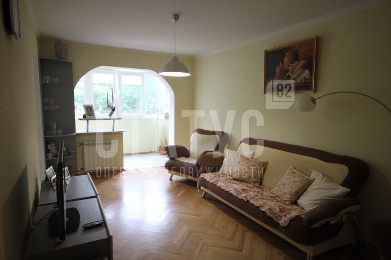 3 ккв в хорошая трехкомнатная квартира в Ялте по улице Свердлова