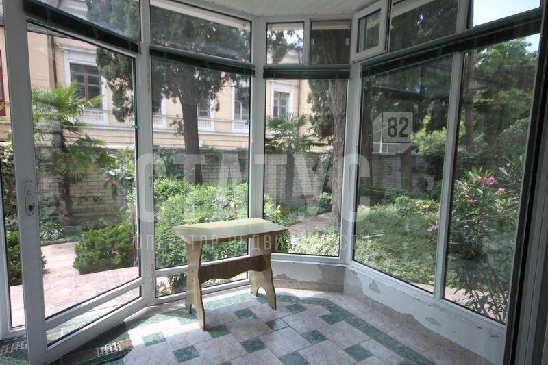 4 ккв Уникальное предложение. Отличная квартира с двориком и баней в центре Ялты